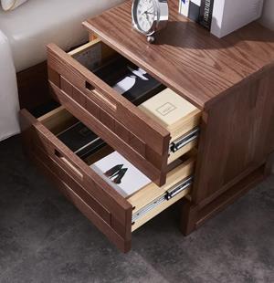 全屋家具定制:为什么我们需要床头柜?
